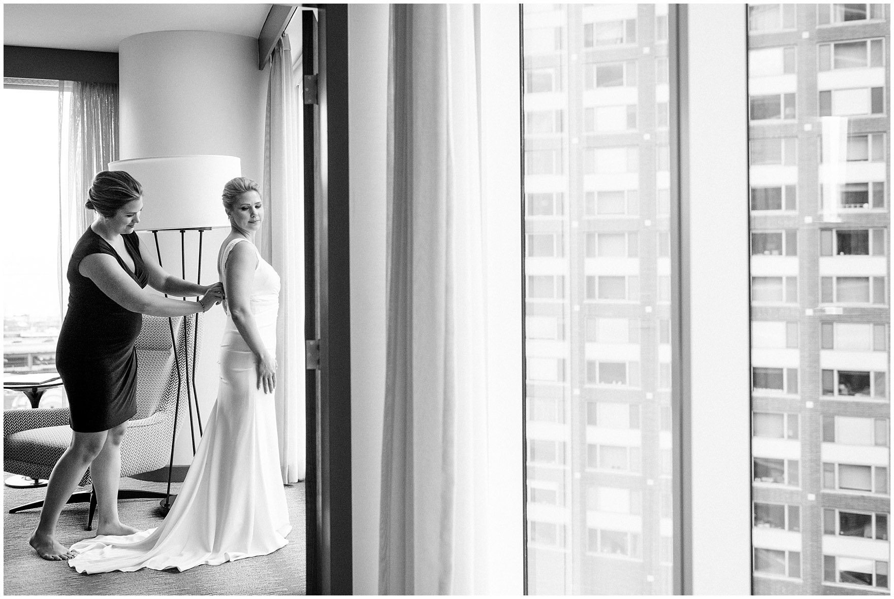 The bride gets ready for her Ovation Chicago wedding.