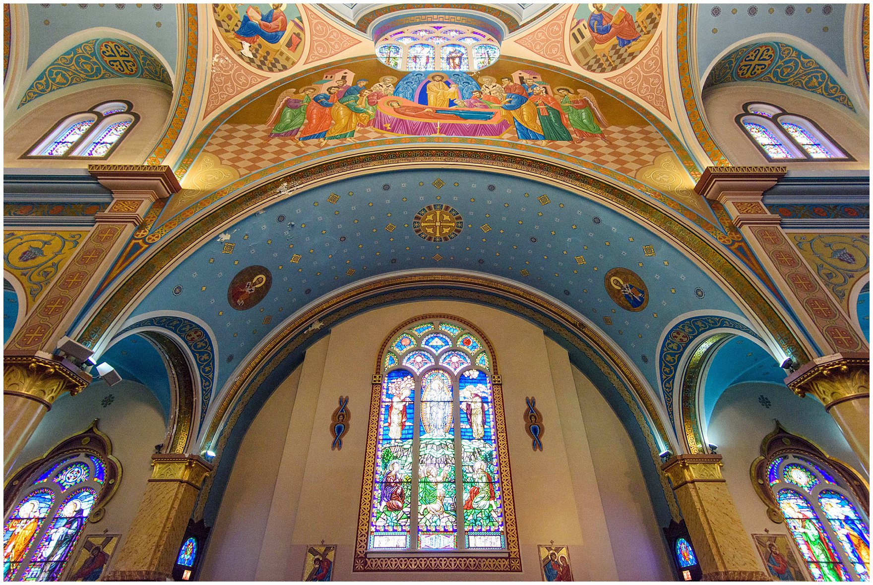 The beautiful cathedral interior, during a St. Nicholas Ukrainian Church and downtown Chicago East Bank Club wedding.