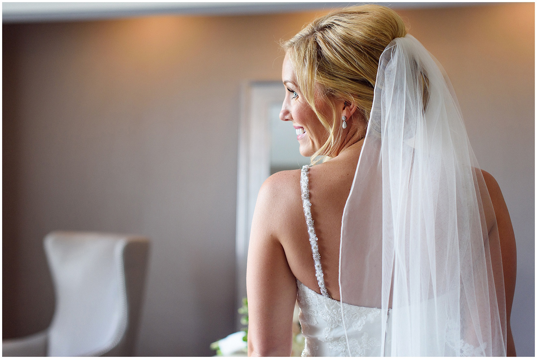 The bride is ready for an Itasca Country Club Illinois wedding.