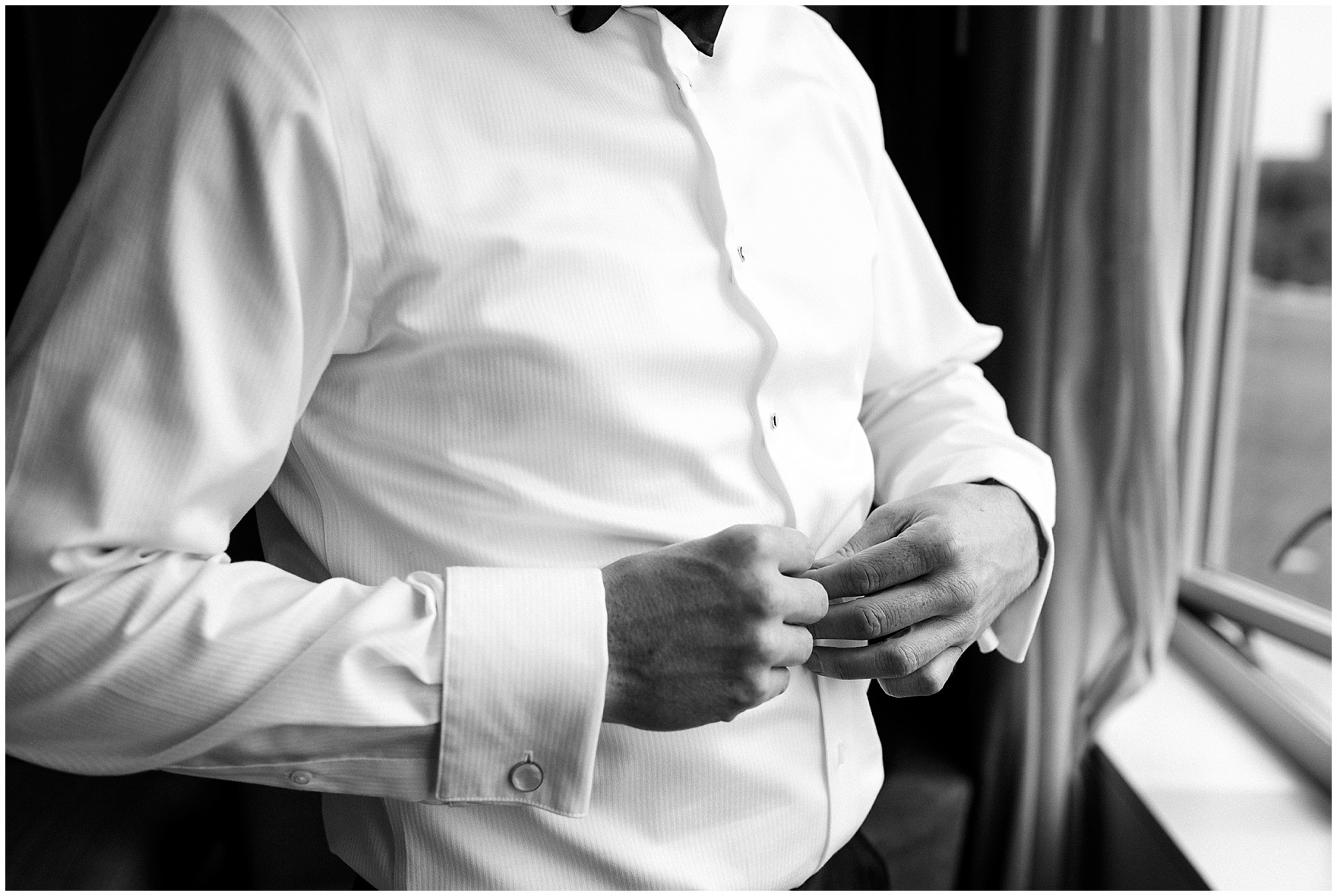 A groom gets ready for his Hotel Arista Naperville wedding.