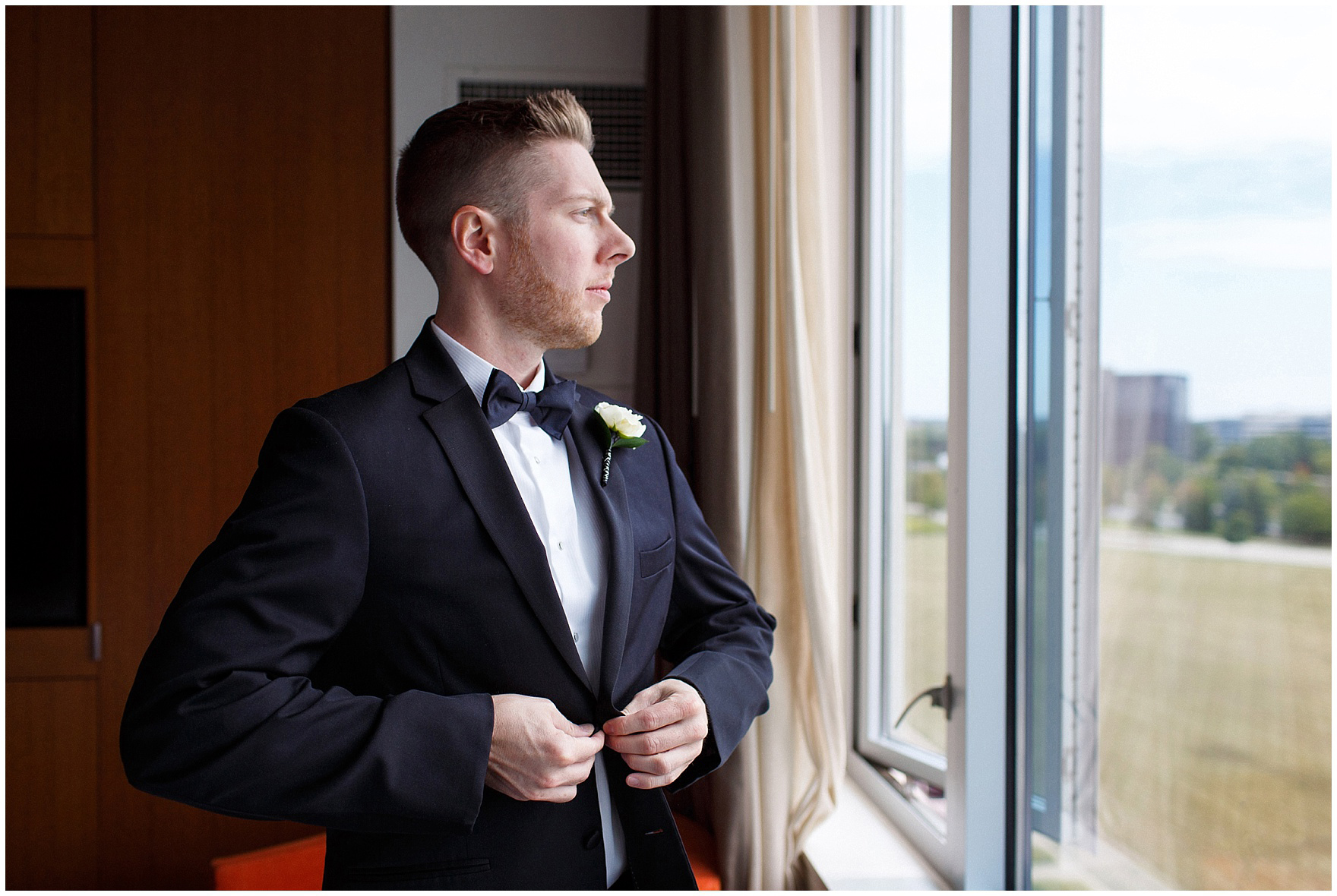 The groom gets ready for a Hotel Arista Naperville wedding.