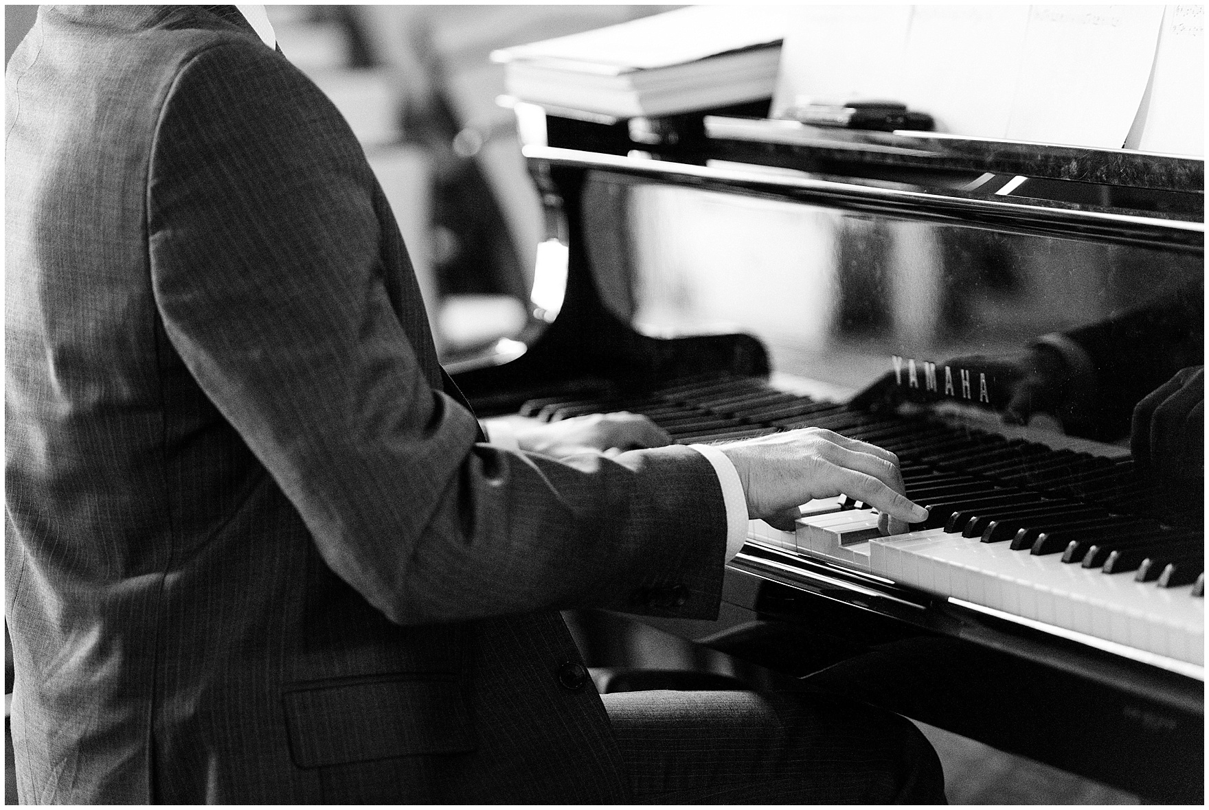 The pianist plays during a Glen Club Glenview Illinois wedding.